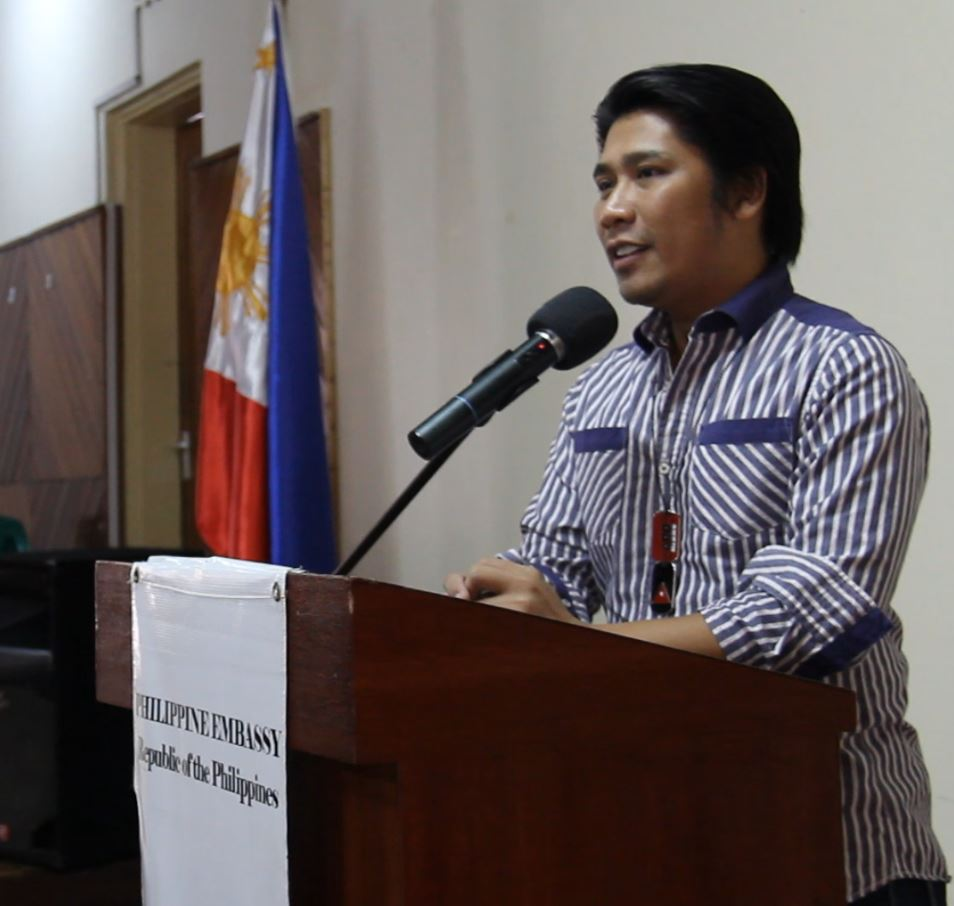 CNN Hero of the Year 2009 and Order of Lakandula Awardee Efren Peñaflorida Jr. shares his experience in putting up his pushcart classroom with the Philippine community in Nairobi, Kenya last July 2013